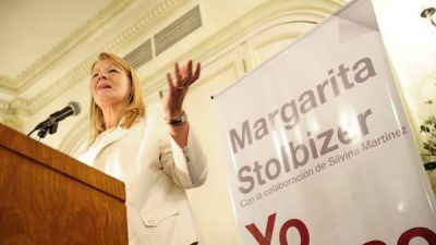 Stolbizer llega a Luján para presentar su libro