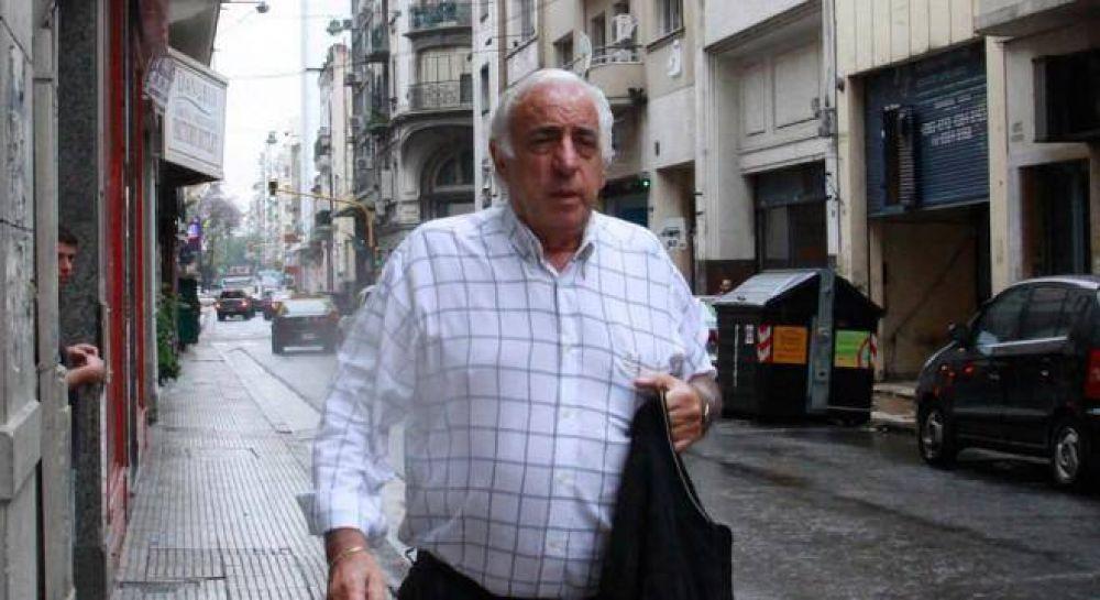 Los colectiveros se suman a la amenazan de paro y comparan a Macri con De la Rúa