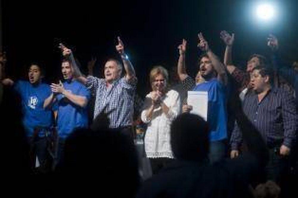 """El peronismo tucumano celebró su """"17 de octubre"""""""