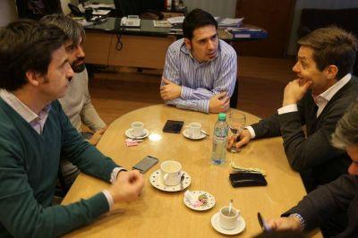 Runín analizó con autoridades radicales la autonomía de los municipios de la provincia