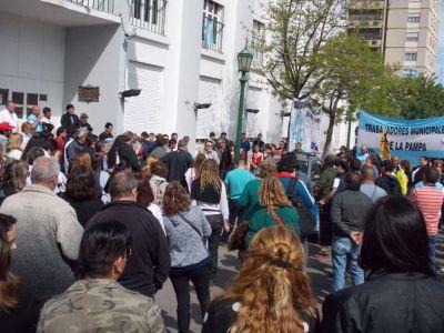 Municipales de Santa Rosa entraron en el tercer d�ia de paro