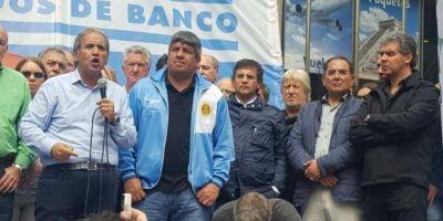 Marcha de La Bancaria: Palazzo y Pablo Moyano reclamaron reapertura de paritarias, cese de despidos y la eliminaci�n del Impuesto a las Ganancias