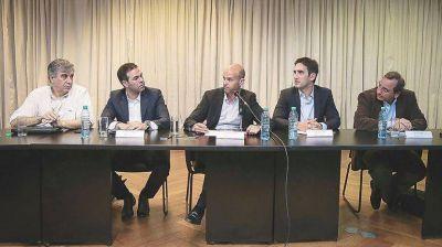 Gobierno anuncia inversiones por $ 22.000 M para sector aerocomercial