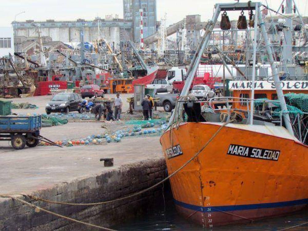 Regalarán pescado como forma de protesta en la banquina del puerto
