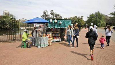 Bares en plazas: sólo avanzan tres proyectos que dividen a los vecinos