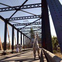 Luj�n: reabre el Puente de Hierro