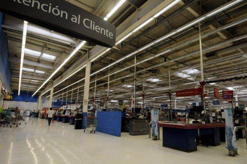 Carg� el changuito este finde: �por qu� no abrir�n los supermercados este lunes?