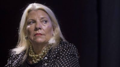 Elisa Carri� acus� a Antonio Bonfatti de