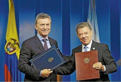 Mauricio Macri viaja a Colombia para acompañar a Juan Manuel Santos en la firma de la paz con las FARC