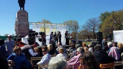 Los ciudadanos disfrutaron el Celebra Kosher con buena comida y música Los ciudadanos disfrutaron el Celebra Kosher con buena comida y música