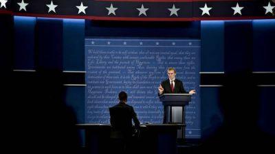 Hillary y Trump llegan en virtual empate al primer debate por TV