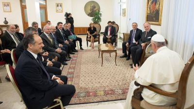 El papa Francisco recibió al embajador de Estados Unidos y a líderes judíos