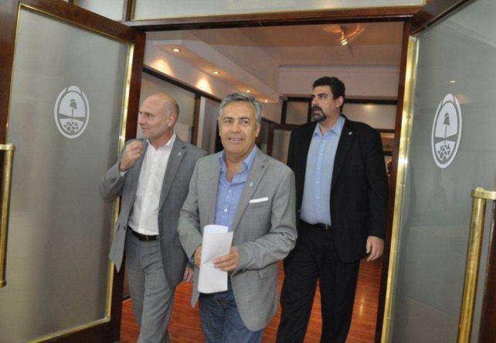 Mendoza oficializó el préstamo de la ANSES a los municipios
