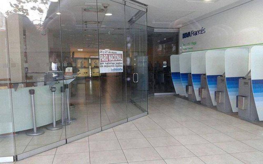 Miércoles y jueves se verá resentida la atención al público en los bancos