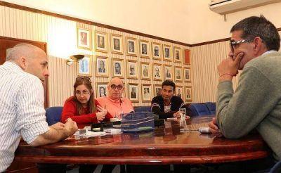 Pilar otorg� aumento del 46 por ciento a trabajadores municipales