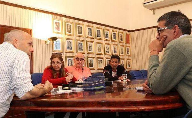 Pilar otorgó aumento del 46 por ciento a trabajadores municipales