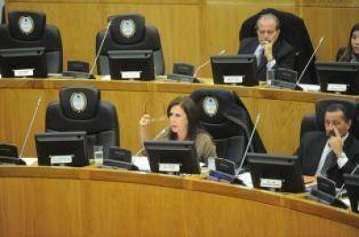 Legisladores proponen elevar al 50% el cupo para candidatas