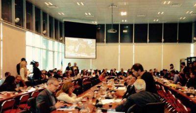 Pedrini: �El Presupuesto Nacional 2017 reprime salarios, ahoga a las provincias y endeuda a la Naci�n�
