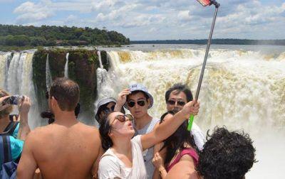 Devolverán IVA a extranjeros para alentar turismo en el país