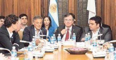 Cabrera y Triaca presentaron en la UIA el Plan Productivo y tranquilizaron a empresarios
