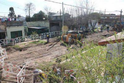 Lomas: conectan a m�s vecinos de la zona Este a la red de cloacas