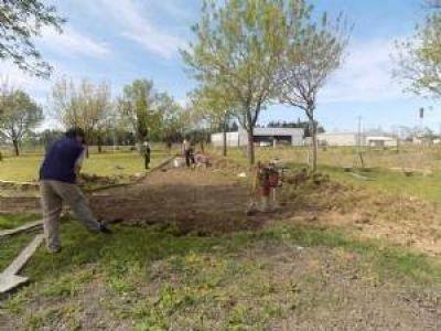 Comenzaron las obras para la plaza con juegos accesible en el barrio ADAS
