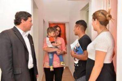 Corpacci entregó viviendas del programa Infrabras