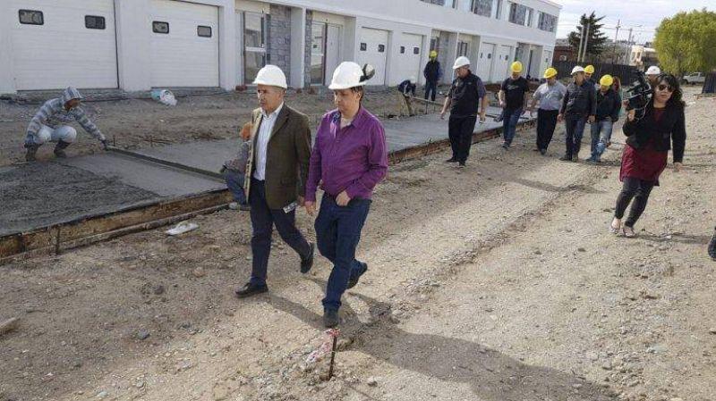 La Mutual de los Petroleros Jerárquicos inauguró su planta de hormigón en Km