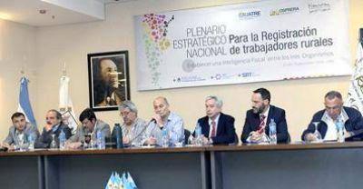 La UATRE, OSPRERA, RENATRE, y autoridades de Trabajo, realizan un plenario nacional para el registro laboral rural