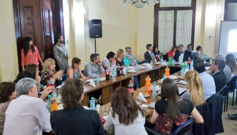 Fortuna prometió continuar con Médicos Comunitarios