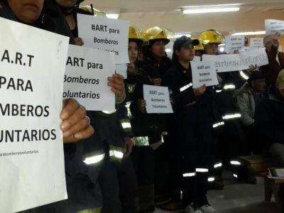 Mons. Chaparro apoya el proyecto para que bomberos voluntarios tengan Seguro de Riesgo