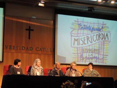 Los educadores rosarinos �entretejieron misericordia�