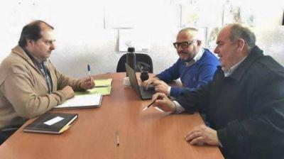 Autoridades mantuvieron reunión por proyectos de redes de agua y cloacas