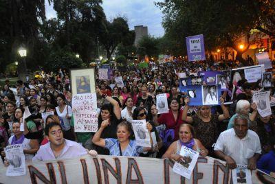 Mendoza indignada por el asesinato de mujeres