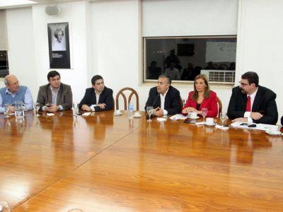 Intendentes oficialistas llevarán sus pedidos al Presidente