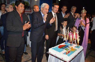 Festejó su 126 aniversario con la inauguración de 14 viviendas sociales y de obras