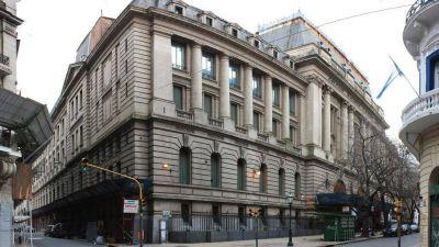 El Nacional Buenos Aires suspendió las clases por un conflicto gremial