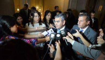 Alfaro exige a Manzur cerca de $ 85 millones