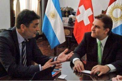 Llaryora recibi� a representantes de la Embajada de Suiza