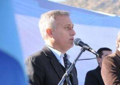 Avilés se reunirá con Macri e intendentes de todo el país para analizar las obras públicas