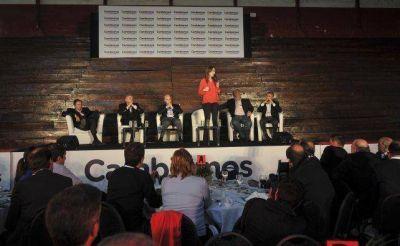 Varisco participó de un encuentro con 400 intendentes de todo el país