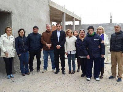 El intendente Bucca presentó los avances de obra en la Escuela 502