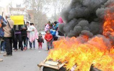 Vecinos del barrio Las Mar�as volvieron a manifestarse en Jun�n