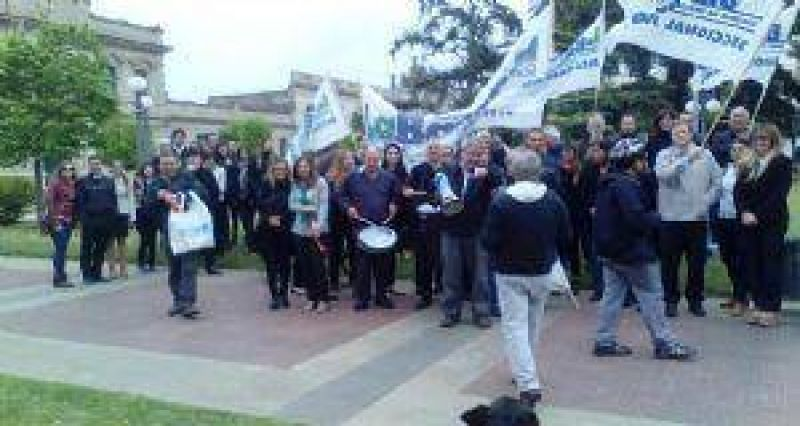 La Bancaria Junín se sumó a la protesta