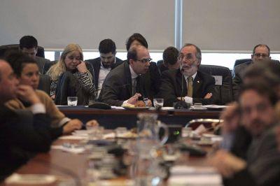 Con apoyo de Massa y parte del PJ, el Gobierno sac� el dictamen de la reforma electoral