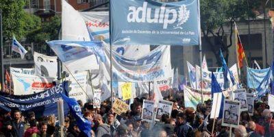 Se ratificó el paro nacional de docentes universitarios para el 4 de octubre