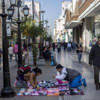 En Salta, Or�n y Tartagal hay m�s de 2 mil vendedores ilegales