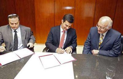 Urtubey firm� un convenio con la Delegaci�n de Asociaciones Israelitas Argentinas