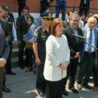 Manzur le present� el proyecto de la base de Gendarmer�a a Bullrich