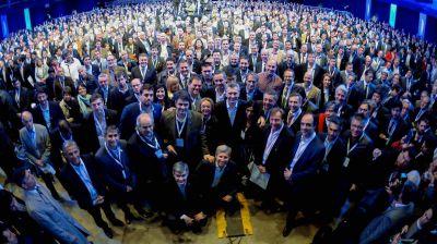 El Gobierno y los intendentes: una foto con promesas y reclamos